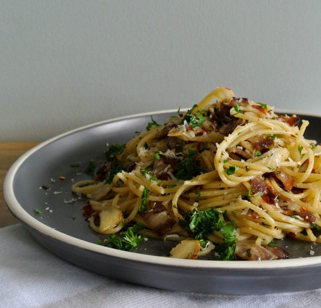 Whole Wheat Spaghetti Aglio E Olio Pasta