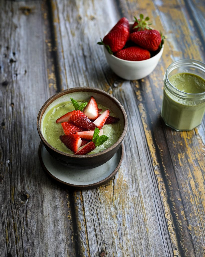 5 Healthy Meal Replacement Smoothies for Busy Moms